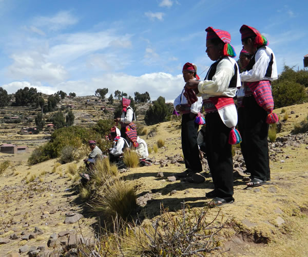 Uros Islands – Taquile / Cultural <span>1 day full day</span>